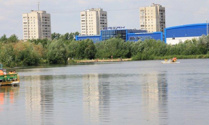 Парк победы в Казани озеро