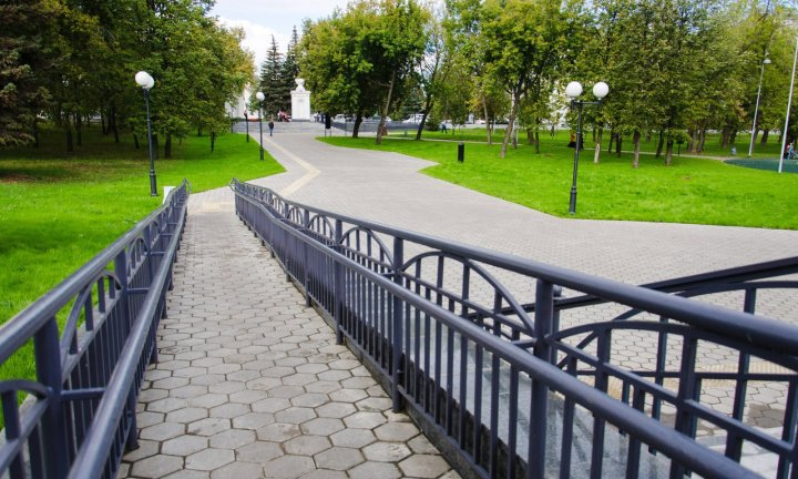 Крылья Советов парк