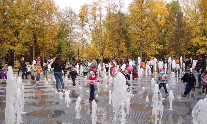 Парк Горького Казань поющие фонтаны
