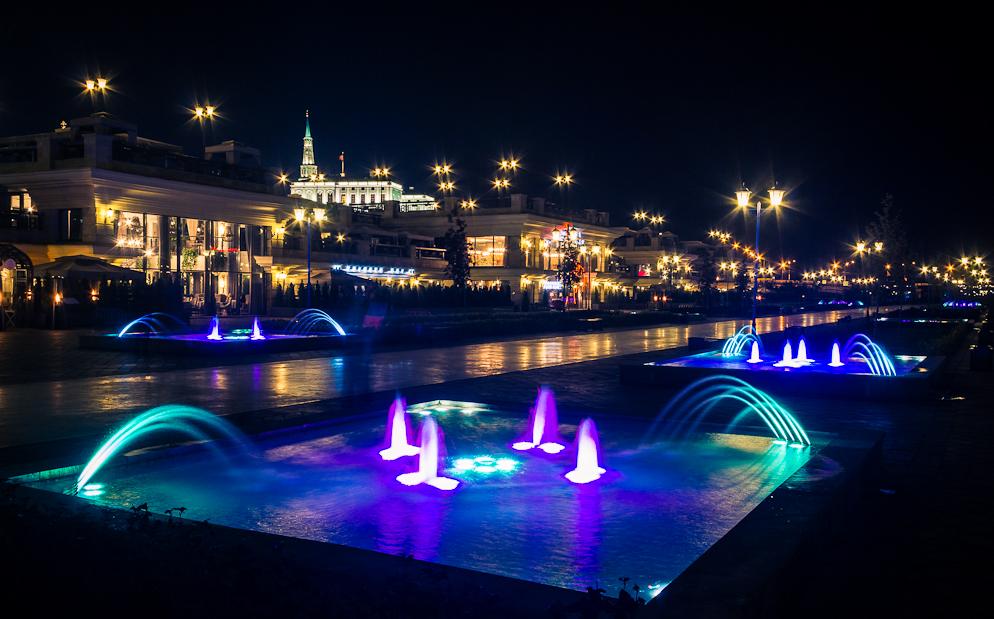 Кремлевская набережная Казань вечером